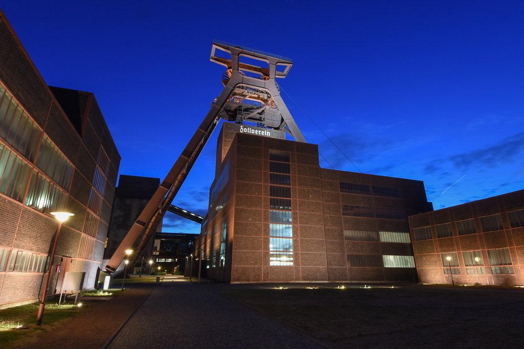Zeche-Zollverein.jpg